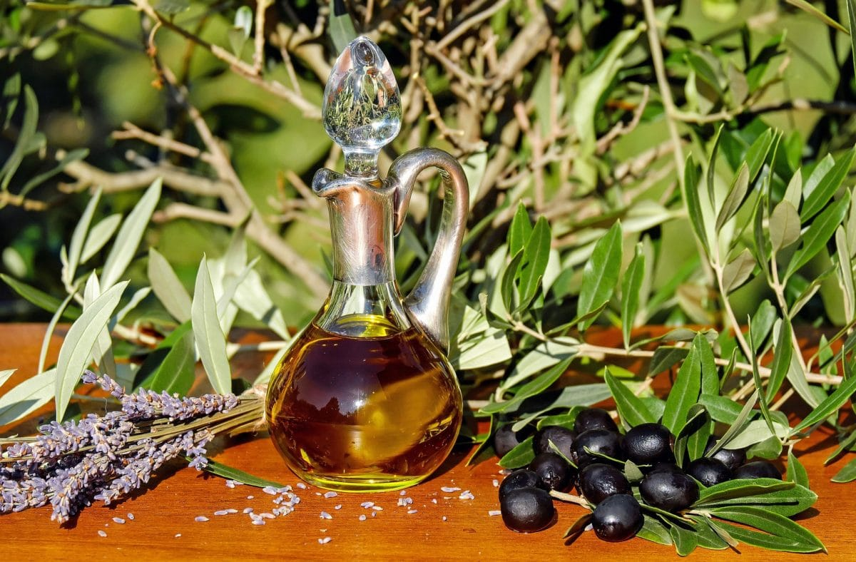 olive-oil-pixabay