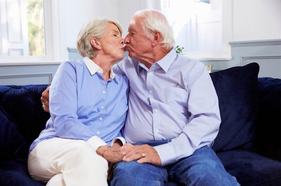 couple amoureux personnes âgées