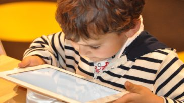enfant tablette
