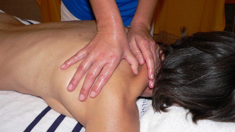 douleur épaule massage