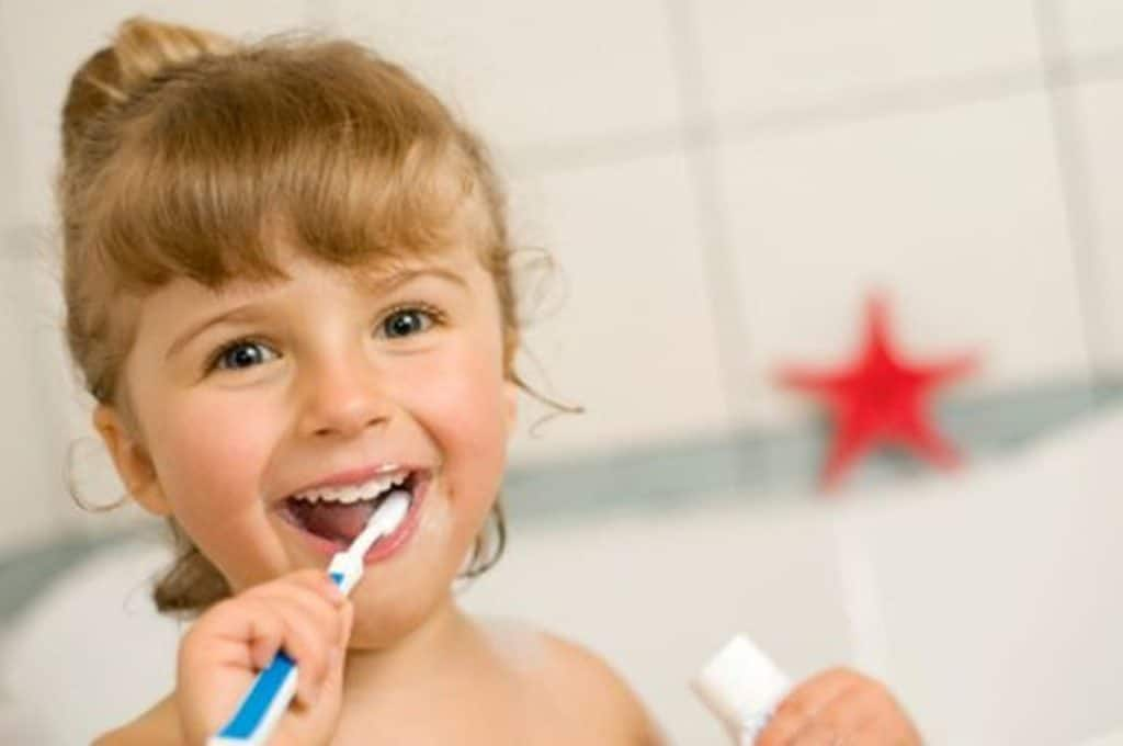dents brosser enfant orthodontie