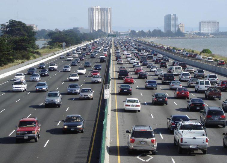 embouteillage pollution voitures en ville - Minesweeper - Wikimedia