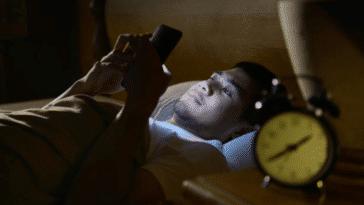smartphones lumière bleue danger sommeil