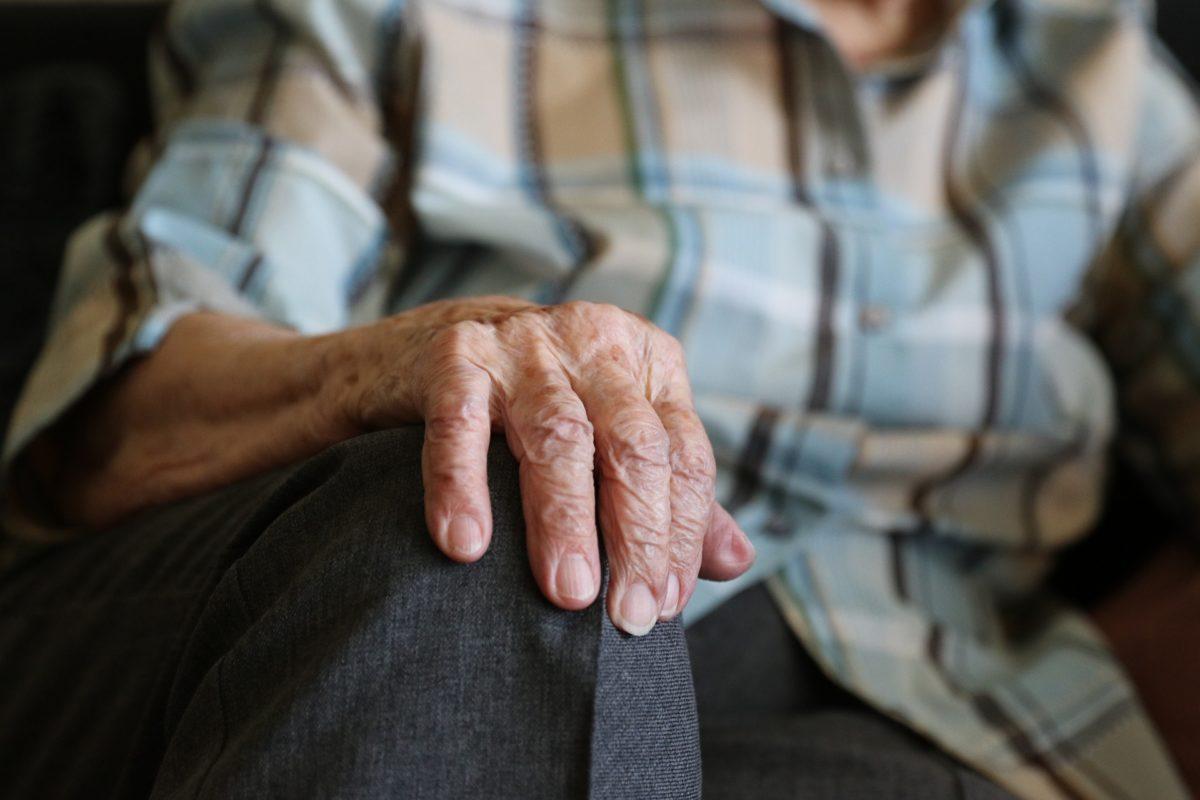 maladie de Parkinson mains Docteur Tamalou