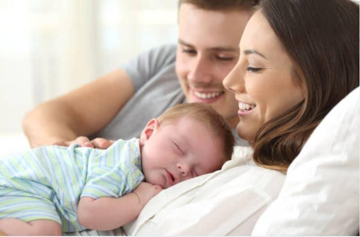 retour maison après accouchement istock