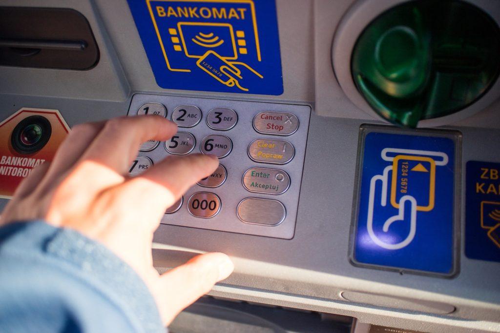 distributeur de billets banque