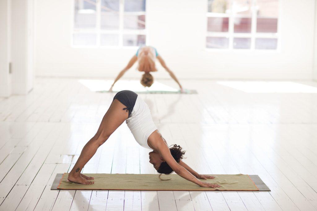 yoga position du chien tête en bas