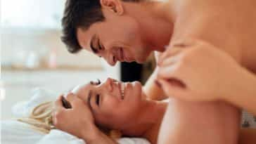 couple sexe orgasme simultané