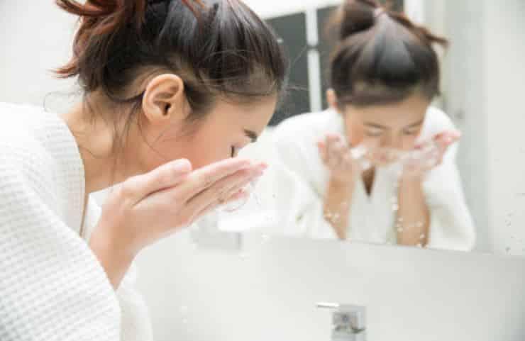 gant démaquillant visage nettoyer