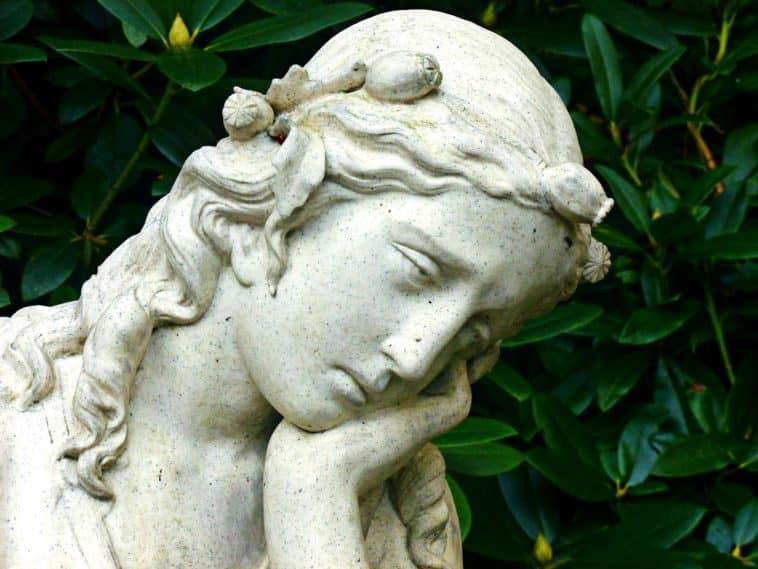 ange triste-Pixabay_Cairomoon
