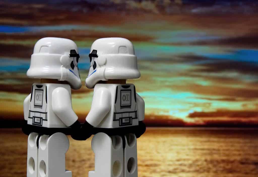 couple-Pixabay_aitoff