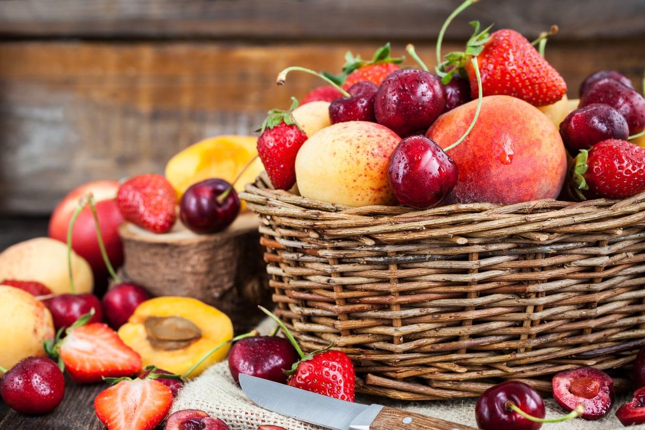 fruits-corbeille-cerise-peche-allergie