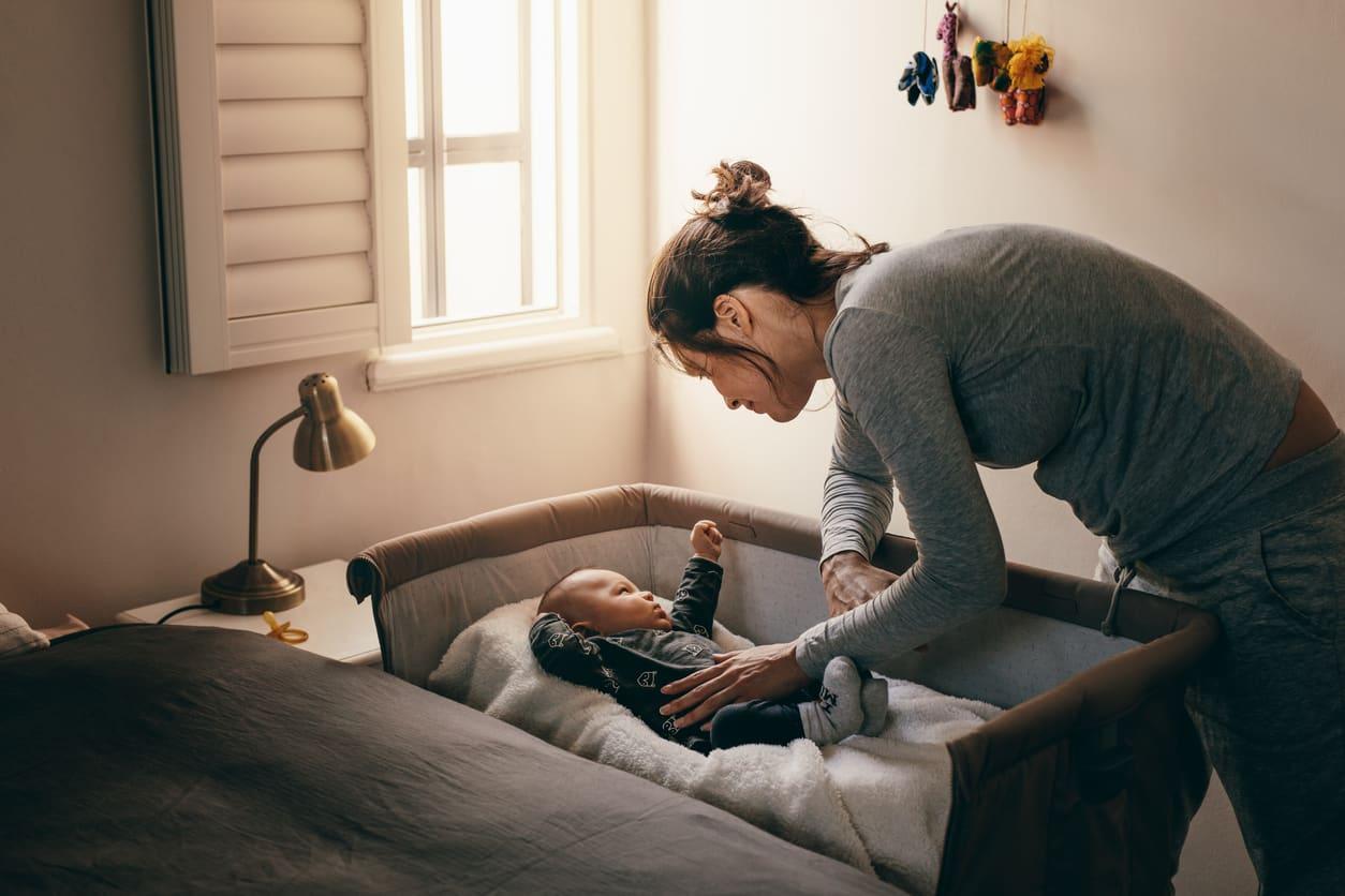 femme bébé
